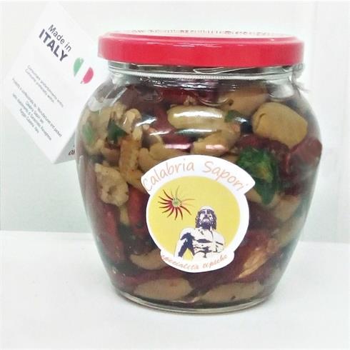 Pomodori secchi con olive schiacciate e denocciolate